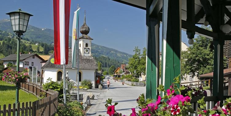 Aicher Dorfplatz